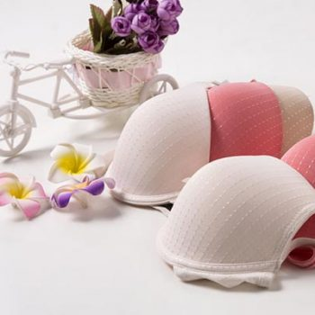 Photo Glossary: Bra Fitting and Breast Shape